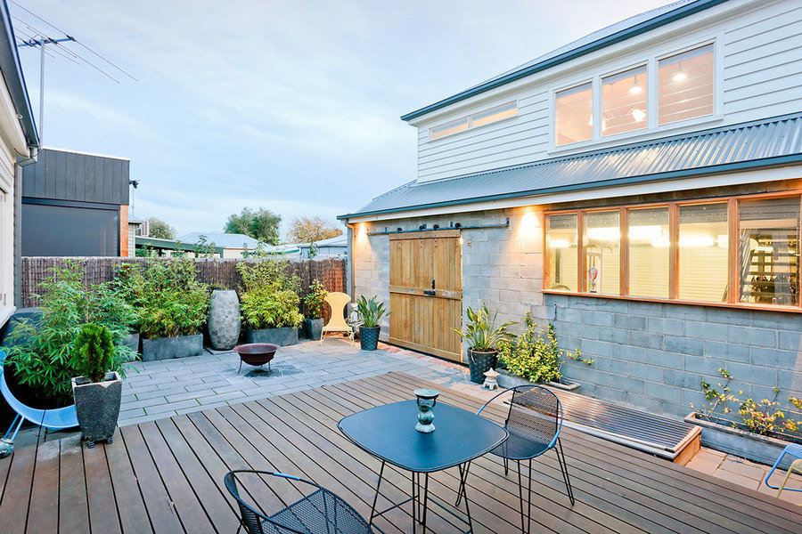 This Newtown home sold for A$1.55 million at auction, A$320,000 over reserve.