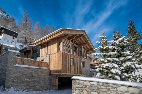 每日豪宅 | 纵享舒适生活的阿尔卑斯山现代滑雪木屋
