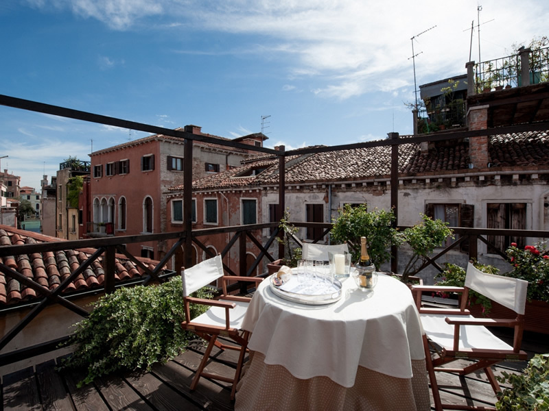 This three-floor apartment in the heart of the Dorsoduro area comes with a roof terrace with canal vi