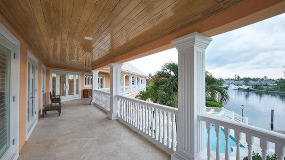 每日豪宅   濒临运河的巴哈马休闲度假别墅