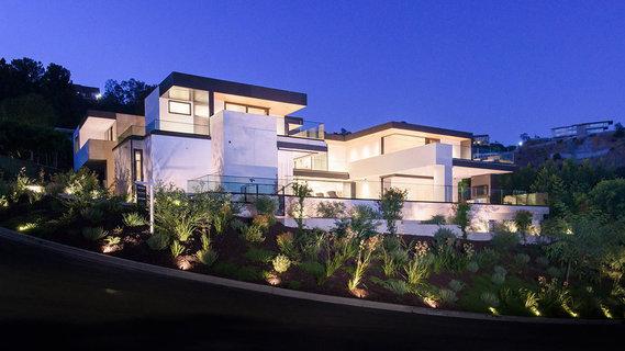 每日豪宅 | 洛杉矶高档社区内的新建现代大宅