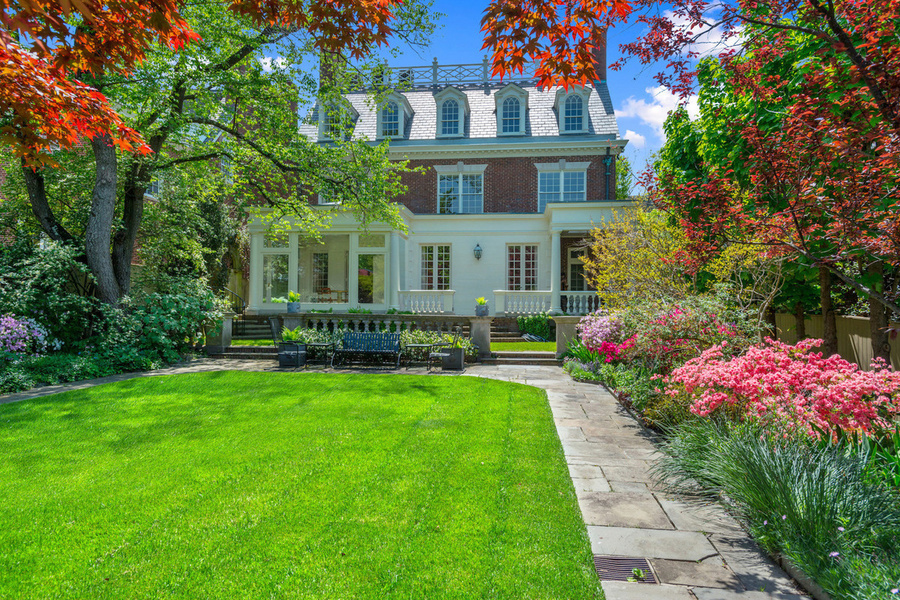 The six-bedroom home comes with a private garden sitting area, 'Old English' spitting fountain, and a