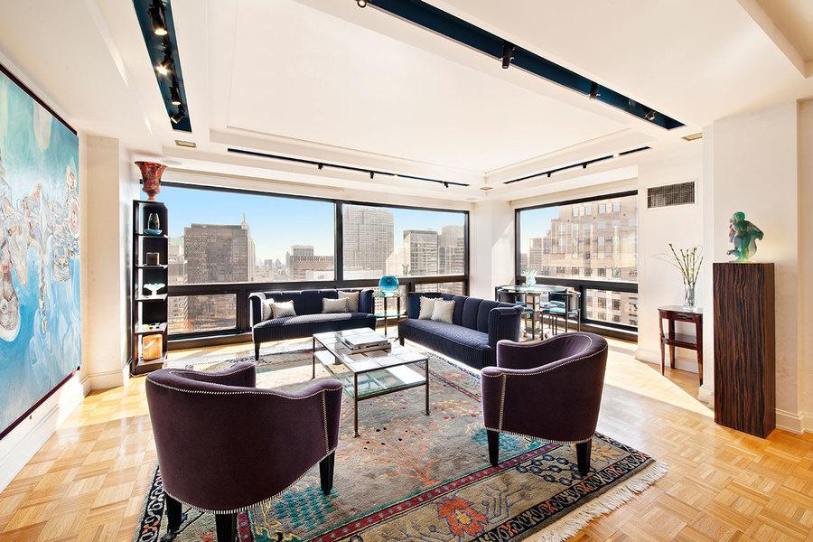 图为特朗普大厦一套两卧共管公寓,最初要价439万5000美元售出,近期被Brett Miles以400万美元售出。