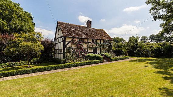 每日豪宅 | 精心修复的英国乡村中世纪宅邸