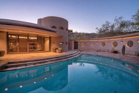 建筑大师弗兰克·劳埃德·赖特遗作别墅标价325万美元出售